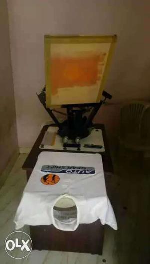 Multi color t shirt screen printing machine