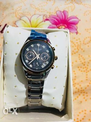 Ladies branded watch Casio sheen buy a brand new watch at