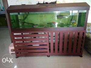 6 feet tank with top & stand for sale, top has 2
