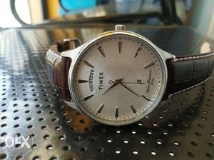5 days old Timex with Day & Date function is on