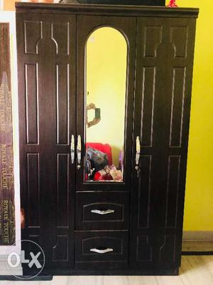 Luxury Wooden Wardrobe With High Quality Mirror