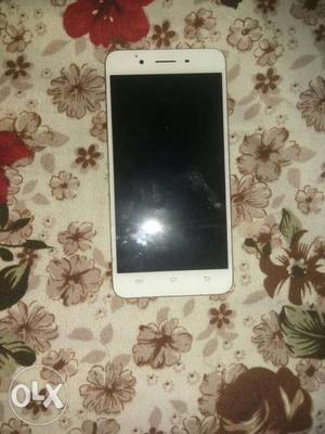 Vivo y55 s 4g, 3gb +16, 1 year old with charger and I'd