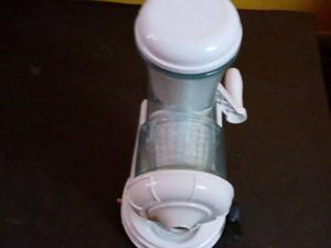 Vegetable and fruits juicer