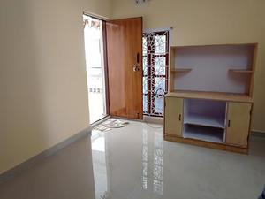 1bhk house for rent Close To Public Toilet