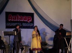 Female karaoke singer in Delhi ncr, Gurgaon, Noida New Delhi