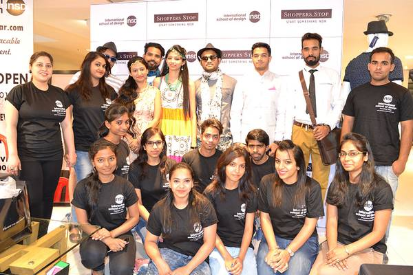 Get Enroll in Fashion Designing Colleges in Delhi