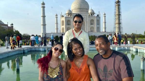 Excellent Same Day Agra Tour Via Car
