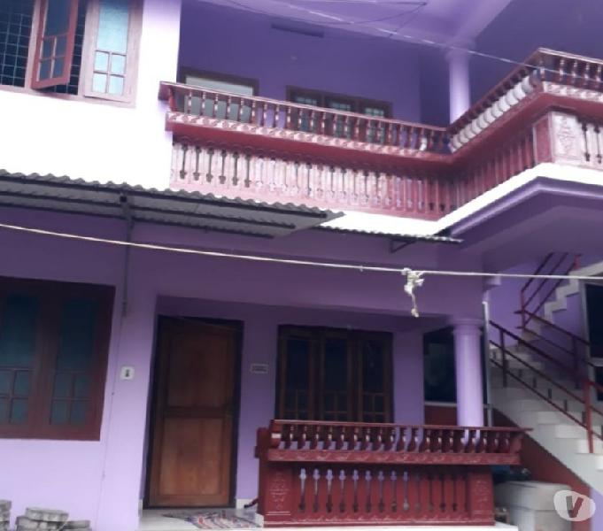 spacious 2bhk with 24 hrs water and covered parkinhg, Urgent