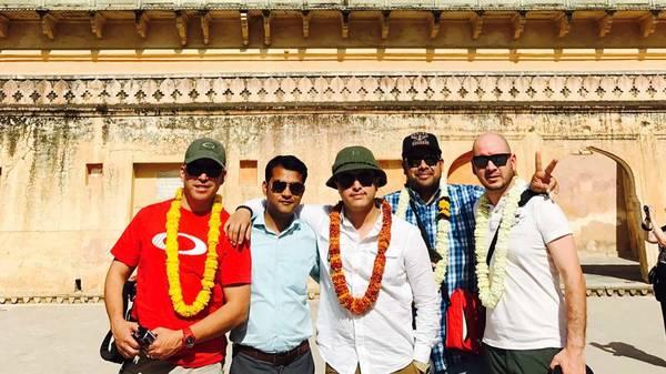 Taj Mahal Tour Via Car/ Train At Affordable Rates