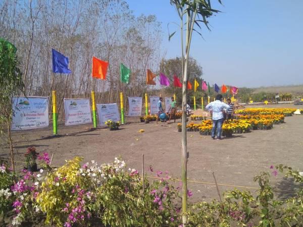 Rs  per yard at Kanchikacherla near MIC college