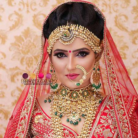 Makeup artist in Delhi popular for transformation