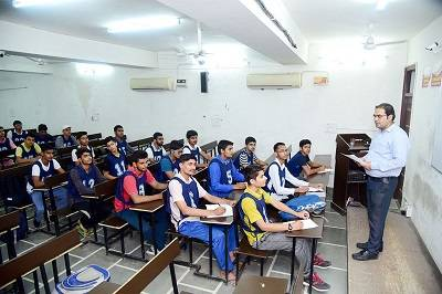 Best nda /cds/ afcat/ ielts/ toefl coaching/ center/ class