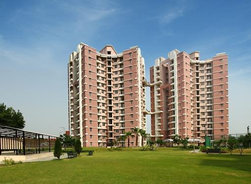 Eldeco Saubhagyam Ready to move apartments in Shaheed Path