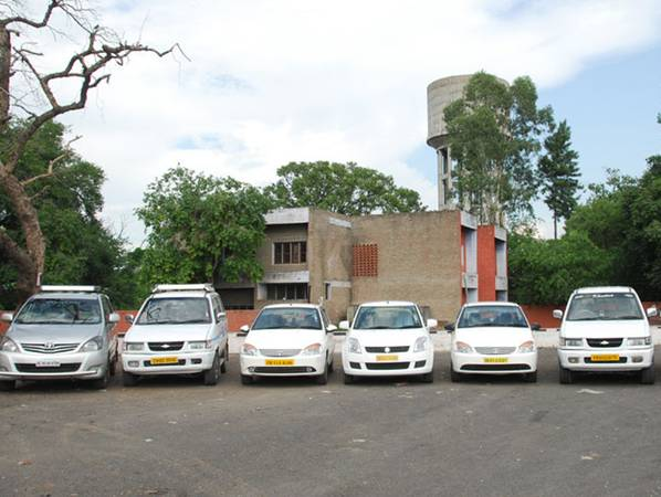 Hire Taxi for Full Day from Delhi to Chandigarh
