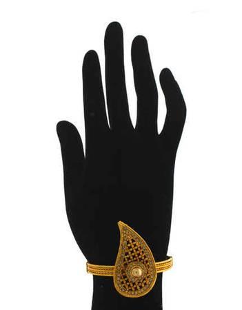 Beautiful Ladies Kangan Design & Fancy Kada Bracelet at