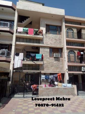4 Marla Old Constructed House in Phase 7 Mohali