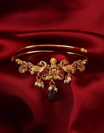 Exclusive Maharashtrian Bajuband Designs online at Anuradha