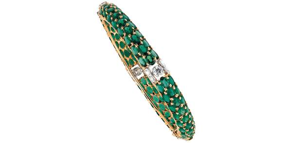 If you are searching for one of the top jewellers in Delhi