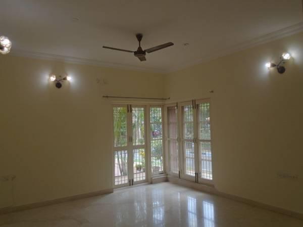 posh elm type semi furnished villa