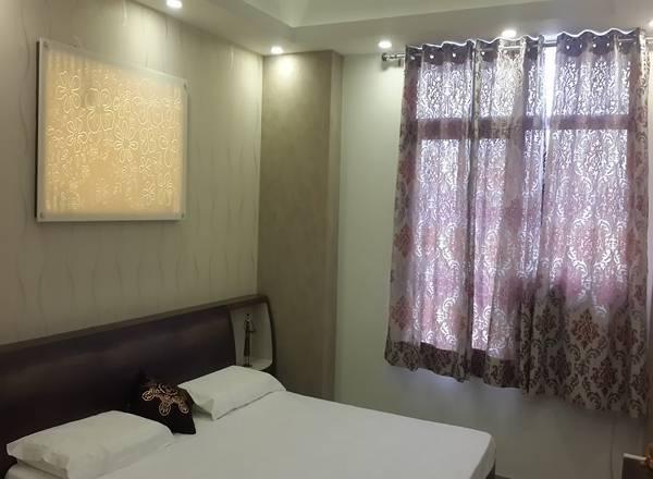Eldeco City Breeze: Ready to Move 3 BHK Apartments in IIM