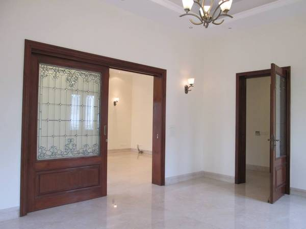 Semi furnished 3BHK For Rent in GK -2