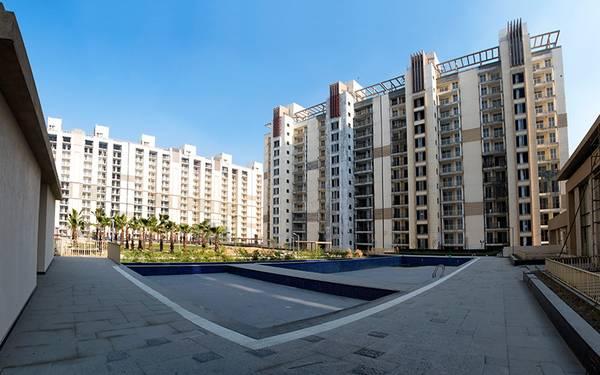 Emaar Gurgaon Greens - Premium Apartments in 90 Lacs