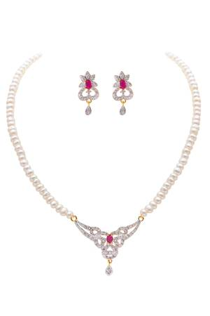 Gift your wife a pretty pearl set from Chique Fashion
