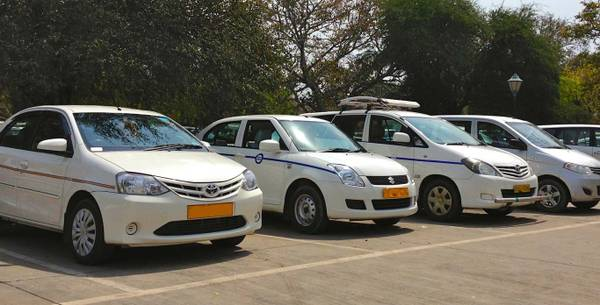 5 things before you hire Taxi in Udaipur