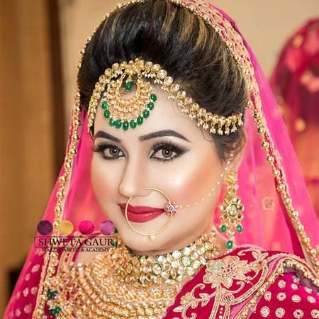 Best Makeup Artist In Delhi For A Attractive Look