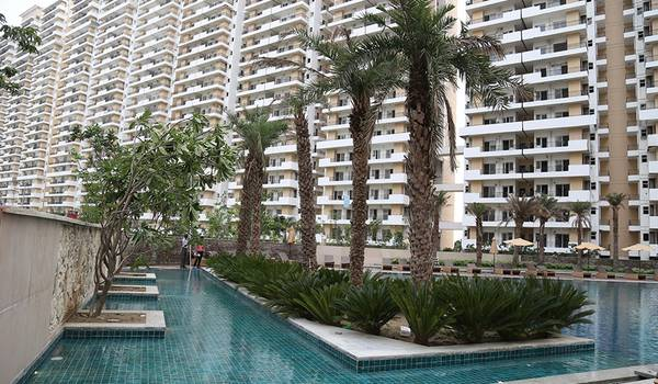 Luxurious 2 BHK @ Rs /sq.ft in Noida Extension