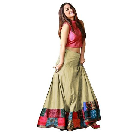 Ethnic Wear - Buy Designer Ethnic Wear for Women Online |