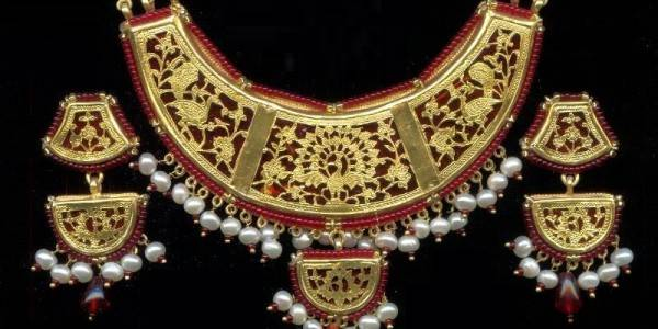 Shop for collection of thewa jewellery by Anuradha Art