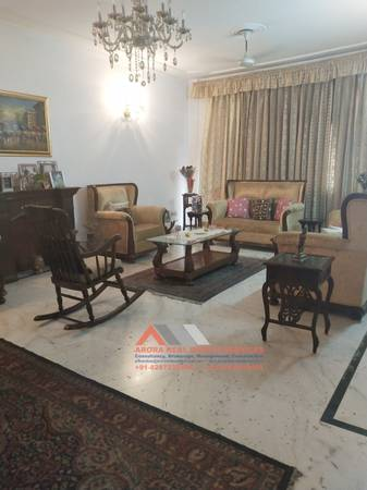 3 BHK Builder Floor For Sale 402 Sq.yd in DLF Phase 2
