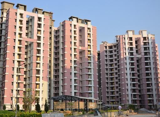 Eldeco Saubhagyam Ready to move Apartments on Shaheed Path