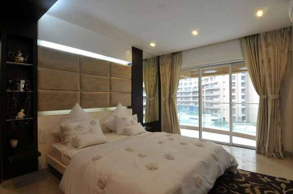 1 Bhk First Floor Rent Dlf phase 4 Gurgaon