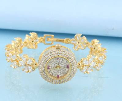 Buy An Exclusive Design of Bangles Design for Women at Best