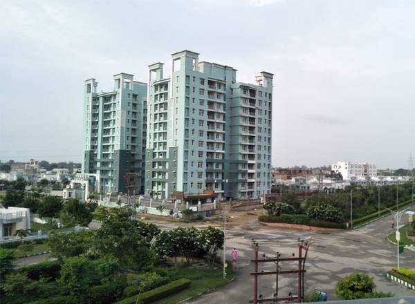 ELDECO City Breeze – 3BHK+SQ Ready to move Apartments on