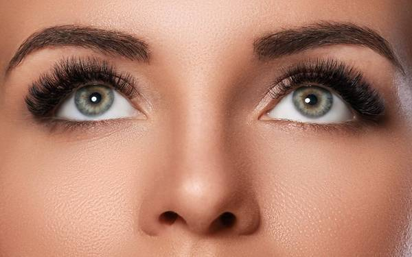 Best Microblading Eyebrow Treatment in Delhi – Look Young