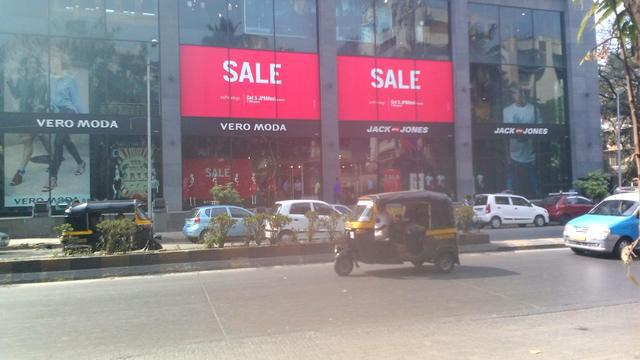 Commercial Showroom for sale in Viman Nagar Central, Pune.]'