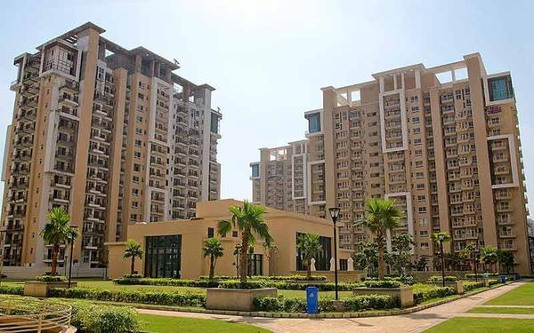 Emaar Palm Gardens Ready to move 3BHK in 102 Cr Only