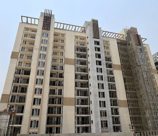 Emaar Gurgaon Greens: Ready to Move 3 BHK Apartments @ 92