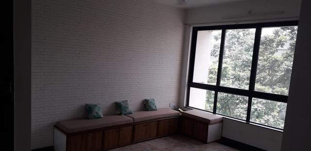 1BHK FLAT FOR SALE IN HIRANANDANI ESTATE THANE