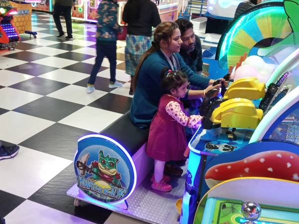 Best Places to visit in Mohali: 72 Mad Street Gaming zone in