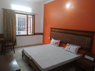 Fully Furnished Room Near Iffco chowk NH8 Gurgaon 8800373545