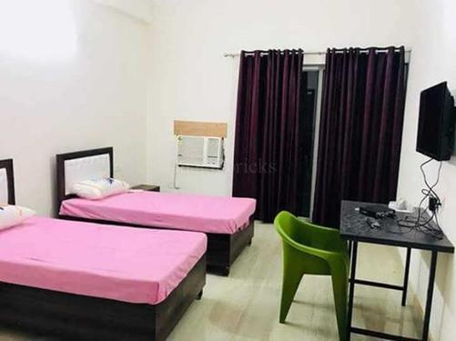 Fully Furnished Room near Sector 14 Gurgaon 9899401469