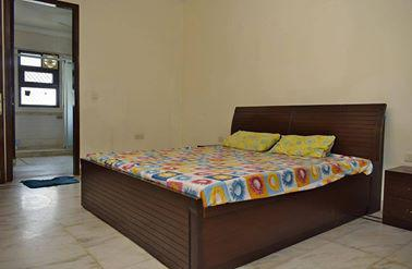 Fully Furnished Rooms Near Sector 18 Gurgaon 9899540456