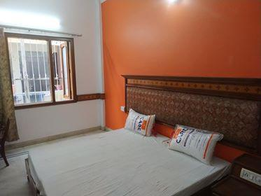 Furnished Rooms in Sector 14 Gurgaon Near AAKASH Institute