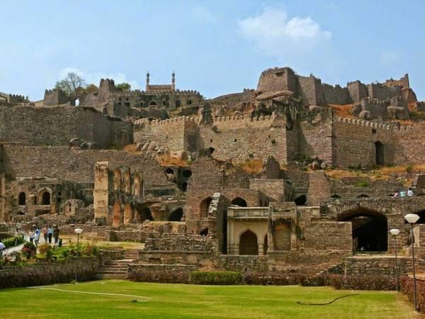 Golkonda Fort-Historical Place in Hyderabad