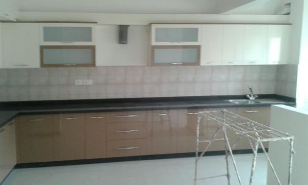 Salarpuria Greenage: Semi Furnished 3 BHK flat for RENT