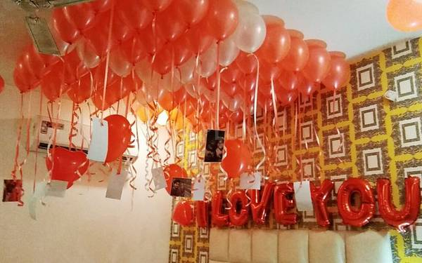 Balloon Decoration for surprise party in Moti Nagar
